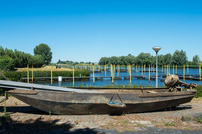 Vervallen jachthaven Hermenzeil te koop. Foto René Schotanus/Pix4Profs
