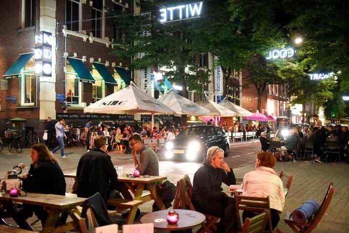 De Witte de Withstraat in Rotterdam, een van de belangrijkste uitgaansgebieden.