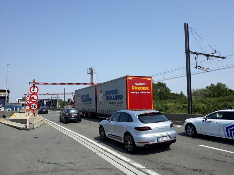 Donderdag botste er opnieuw een vrachtwagen tegen een van de hoogtebegrenzers in Borneml