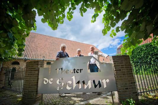 In 2012 vond filmhuis Cine7 een onderkomen in Theater de Schuur in Zevenbergen. De organisatie daarvan bestaat vlnr uit Eric Wander, Ineke Matser en Jos Boeters.