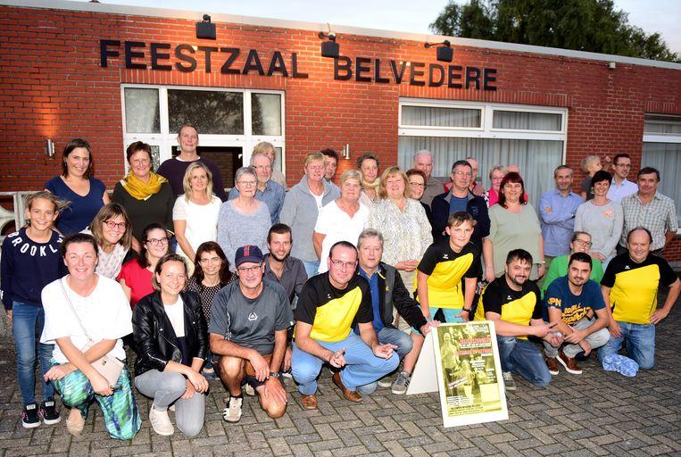 De vele vrijwilligers kregen een drankje en een hapje in de zaal Belvedere