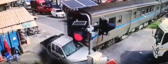 Image de l'accident, à Samut Sakorn, en Thaïlande