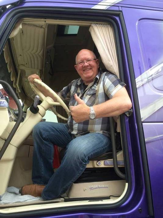 Zanger Henk Wijngaard, die vooral bekend is van die ene truckers-evergreen uit 1978.