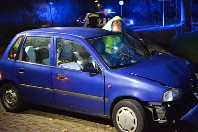 Moeder en kind raken van de weg in Prinsenbeek, gewond naar het ziekenhuis