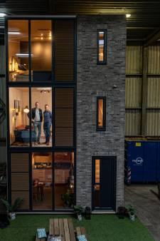 Toekomst van woningbouw? Houten huizen kant-en-klaar uit de fabriek