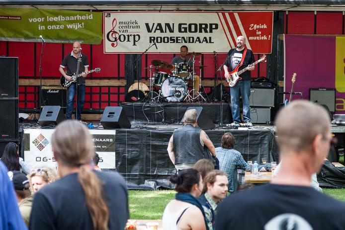 De band Fools Never Differ treedt op tijdens vorige uitgave Dijkpop in Roosendaal. Archief foto: Koen Mol