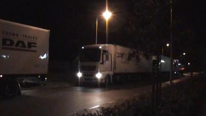 'Vrachtwagens staan vaak vast op de Wiekenweg.'