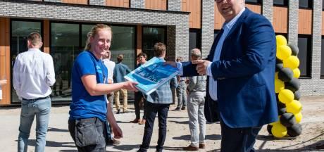 Naomi (28) uit Epe staat symbool voor terreinwinst vrouwen bij Bouwmensen in Apeldoorn: 'Mannen keken wat onwennig'