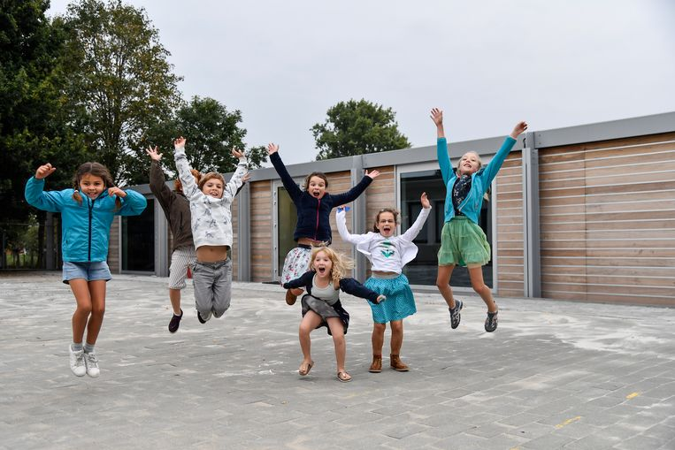 Vorig schooljaar konden de kinderen van de Appelbloesem nog kennismaken met een nieuwe schoolvleugel. Nu heet het dat de freinetschool nog maar één schooljaar zal bestaan.