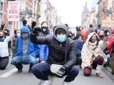Une centaine de jeunes réclament justice pour Adil à Anderlecht