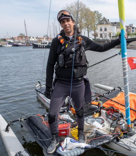 Zwitser zeilt 8000 kilometer voor zijn kinderen en kwam vandaag aan in Veere