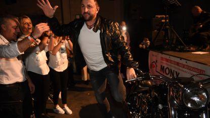 Sammy Moore stelt album voor op Harley Davidson