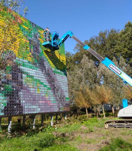 24.000 bloembollen geven De Zaaier langs N65 bij Vught en Helvoirt kleur
