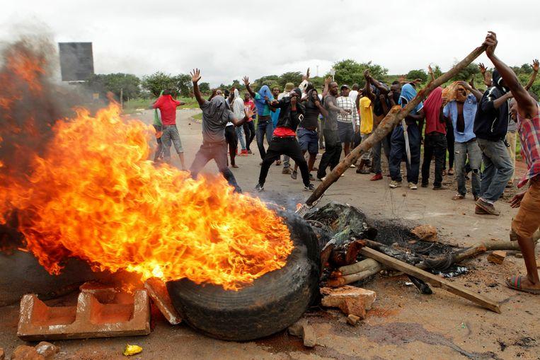 Leger Zimbabwe beticht van 'systematische marteling' en neerschieten van betogers