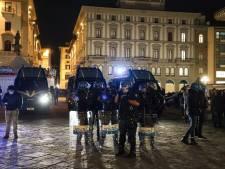 Heurts à Florence entre des manifestants et la police suite aux restrictions anti-Covid