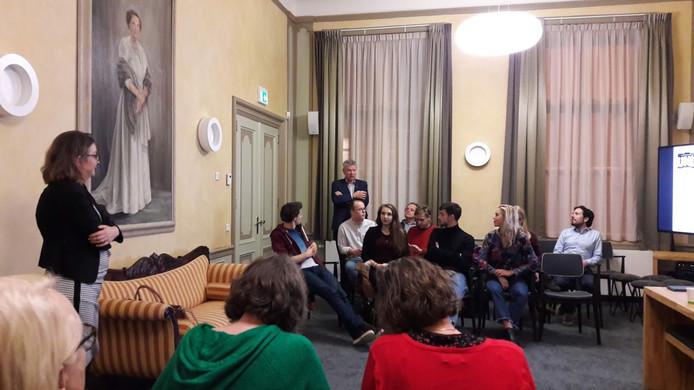 De initiatiefnemers van Popupop presenteerden zich maandagavond in de Wageningse trouwzaal