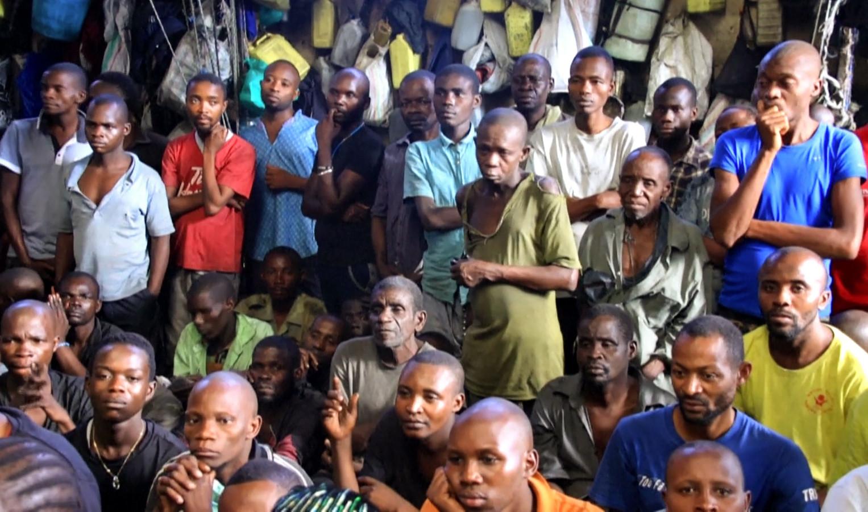 Gedetineerden in de gevangenis van Bunia.