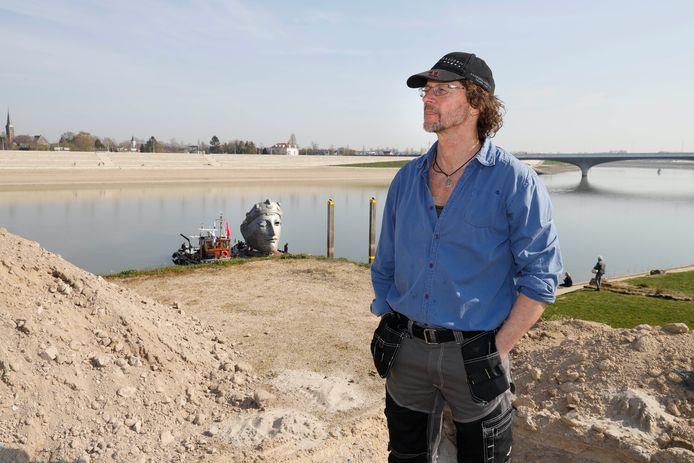 Kunstenaar Andreas Hetfeld is met zijn werk gearriveerd in Veur-Lent.