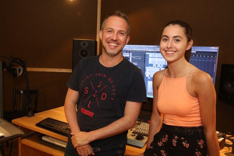 Christophe Severs en de 15-jarige zangeres Nina Butera.