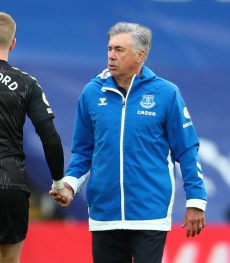 Ancelotti beschermt Pickford na charge op Van Dijk: 'Gebeurt wel eens dat je te laat bent'