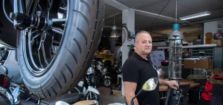 Wageningse scooterrijders de dupe van benzineswitch: 'Nu naar Bennekom voor volle tank'