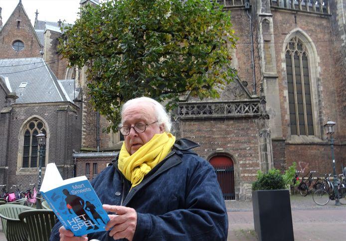 Mart Smeets met zijn nieuwe boek 'Het Spel'.