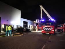 Twee auto's in brand op bedrijventerrein Hoek van Holland