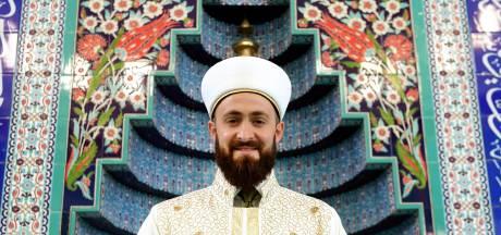 Deze moskee heeft een nieuwe imam: 'Ik nodig iedereen uit om een keertje te komen kijken'