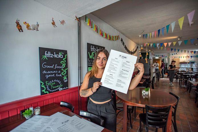 """Bregje Mols in de Focus Foodbar - waar al het eten plantaardig is - aan het Radiopleintje is sinds donderdagavond geopend. ,,Nu mag ik alles zelf bepalen."""""""