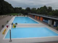 Zwembad Neptunus deze zomer al tegen de vlakte, nieuw zwembad komt achteraan op de parking