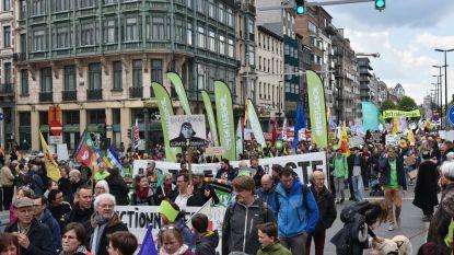 15.000 deelnemers stappen mee in Brusselse mars voor klimaat en sociale rechten