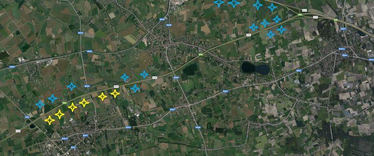 Een overzichtskaart: de blauwe symbolen geven mogelijke locaties aan voor de nieuwe turbines, de gele tekens duiden de al bestaande windturbines in Gistel aan.