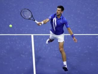 Djokovic en Zverev simpel naar achtste finales, Tsitsipas verrassend uitgeschakeld