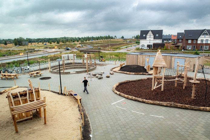 Het nieuwe schoolplein van basisschool De Uitdaging in Nijmegen.