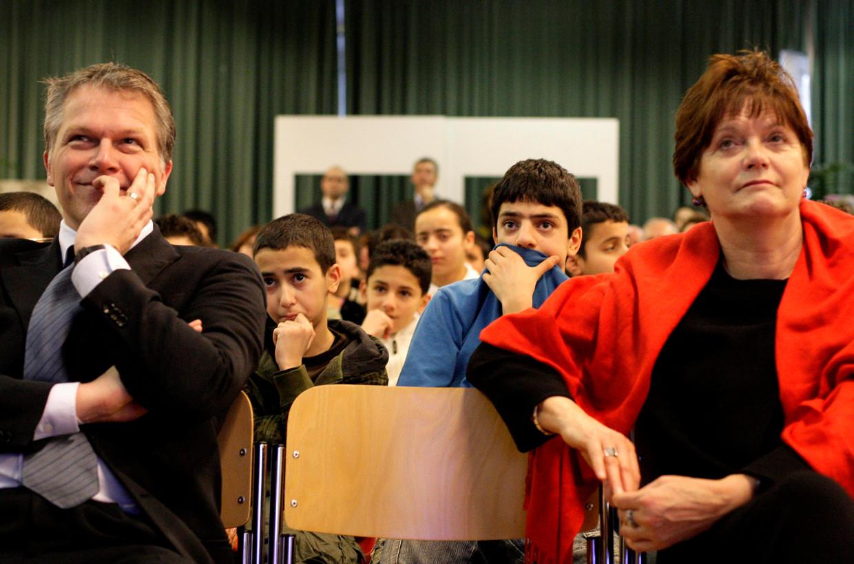 Wouter Bos en Ella Vogelaar in 2008. Aan haar politieke val ging een steeds dieper wordende vertrouwensbreuk met partijleider Bos vooraf.  Beeld ANP