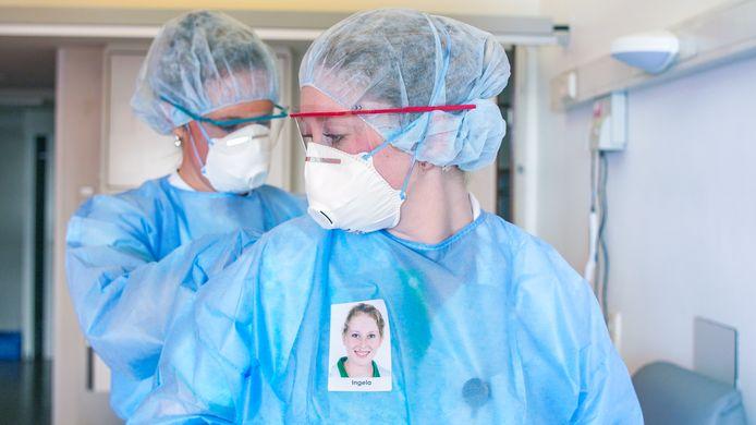 Beschermende kleding van medewerkers in het Groene Hart Ziekenhuis.
