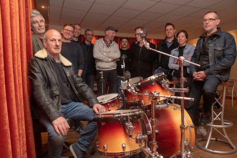 Germain (achter de drums) stopt met muziekstudio Beat Explorer maar de opvolging staat klaar met de nieuwe vzw Stuudio.