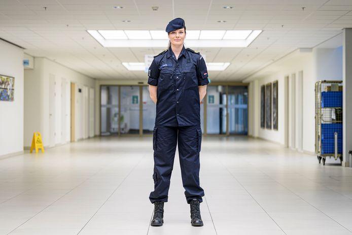 Sergeant Karlijn Paus uit Hengelo werkte zes weken in ziekenhuis MST in Enschede.