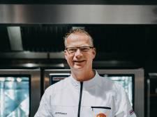 Jos Rouwen uit Weerselo kookt lekker én veilig voor de voetballers van Oranje onder 20