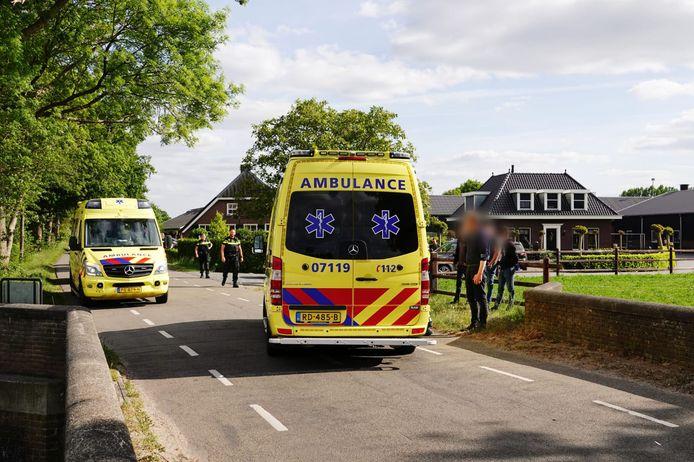 Het kind is met onbekende verwondingen naar het ziekenhuis gebracht.