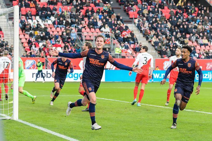 Melle Meulensteen juicht na zijn doelpunt in Utrecht.