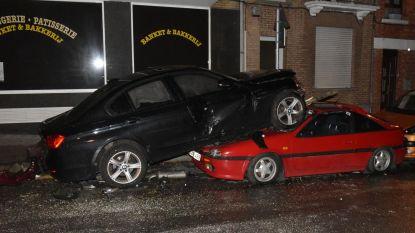 Dronken bestuurder rijdt wagen op ander autodak