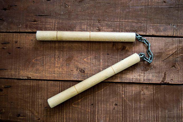 De Truienaar was ook in het bezit van een nunchaku.