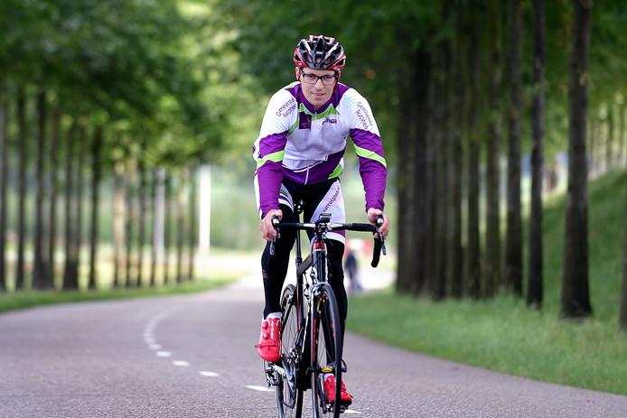 Wethouder Martien de Bruijn enige tijd geleden tijdens een training voor het NK wielrennen voor ambtenaren.
