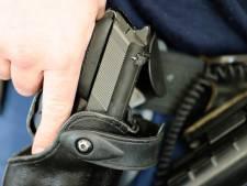 Politie lost waarschuwingsschot na uit de hand gelopen ruzie