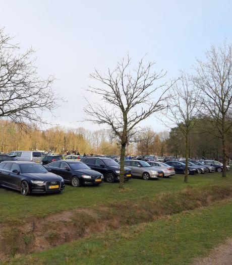 Drukte in natuurgebieden; parkeerplaatsen Ede te vol waardoor routes hulpdiensten in het geding komen