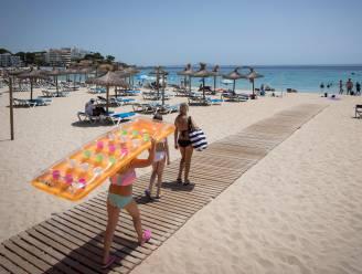 Vlamingen stellen boeking zomervakantie uit