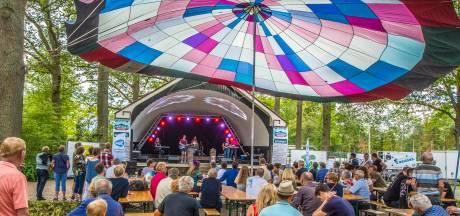 Debuterende Assink-band pakt kans op Scholtenhagen Festival in Haaksbergen