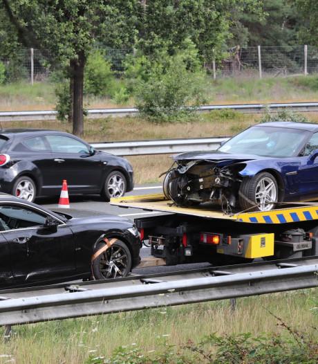 Lange file door ongeval met twee auto's en vrachtwagen op A50, weg is weer vrij