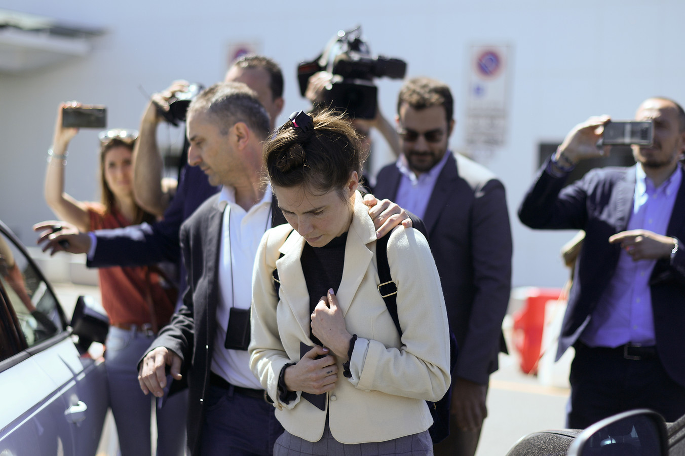 Amanda Knox arriveert in Italië